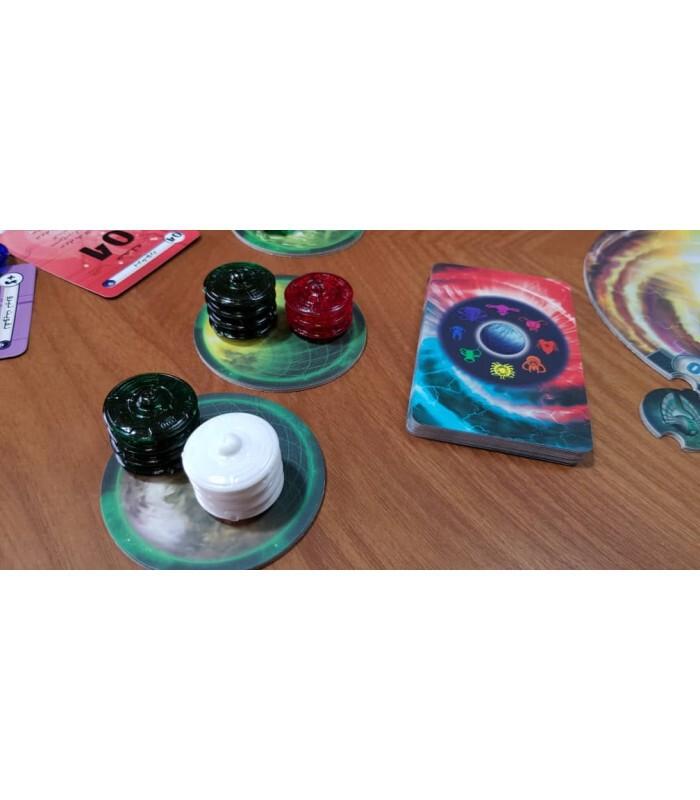 سیارهها و توکنهای بازی COSMIC ENCOUNTER